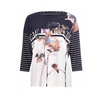 T-shirt black print