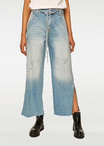 Jeans light blue with raw edge