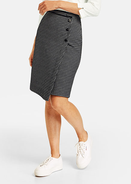 Skirt black and white texture